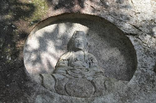 観音峠の磨崖仏