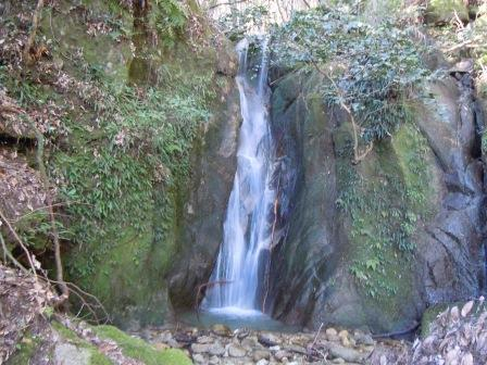 岩田菅生川上流の滝